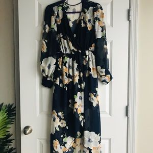 Dresses & Skirts - Floral maxi dress with side split in medium (NWOT)